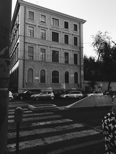 Black and white of The streets of Rome