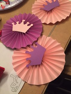 corona party Sophia the first pinwheels Sofia The First Birthday Party, Pink And Gold Birthday Party, 1st Birthday Princess, Princess Theme Party, Prince Birthday, Baby Shower Princess, Baby Boy Shower, Girl Baby Shower Decorations, Balloon Decorations