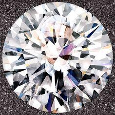 Karl Lagerfeld reflected in giant diamond!  #markviceart #markvice…
