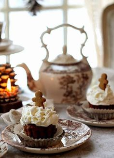 Aiken House & Gardens: Brown transferware and gingerbread cupcakes for a Winter Tea Christmas Tea Party, Winter Tea Party, Cosy Christmas, Christmas Kitchen, Country Christmas, Autumn Tea, Cuppa Tea, My Tea, Gingerbread Man