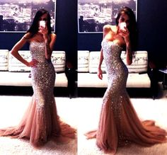 Gorgeous gown, makes me wish I had somewhere to wear it to lol.