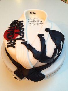 Martial Arts birthday cake Art Birthday Cake, Karate Birthday, Judo, Jiu Jitsu, Karate Cake, Kolaci I Torte, Sport Cakes, Gateaux Cake, Novelty Cakes