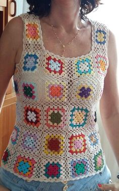 Transcendent Crochet a Solid Granny Square Ideas. Inconceivable Crochet a Solid Granny Square Ideas. Débardeurs Au Crochet, Crochet Blouse, Crochet Granny, Crochet Crafts, Crochet Baby Pants, Crochet Baby Bonnet, Crochet Clothes, Knitting Patterns, Crochet Patterns