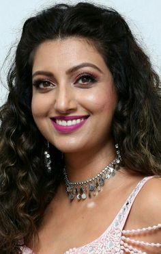 South Indian Actress Hot, Indian Actress Hot Pics, Most Beautiful Indian Actress, Beautiful Actresses, Beauty Full Girl, Beauty Women, Girls In Panties, Indian Beauty Saree, Love Hair