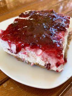 Τσιζκεικ με μαρμελάδα !!! ~ ΜΑΓΕΙΡΙΚΗ ΚΑΙ ΣΥΝΤΑΓΕΣ 2 Meatloaf, Food And Drink, Sweets, Fish, Desserts, Magic, Desk, Tailgate Desserts, Deserts