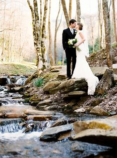 Photography : Perry Vaile Read More on SMP: http://www.stylemepretty.com/2014/10/29/romantic-north-carolina-mountain-wedding-at-hawkesdene-house/
