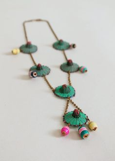 Late 40s / early 50s sombrero hat novelty necklace