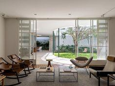 Visita guiada: casa dos anos 40 é ampliada pelo arquiteto Felipe Hess | Casa