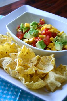 I bet this would be so good on top of chicken or fish! Add black beans, cilantro and red onions. Diet Recipes, Recipies, Vegan Recipes, Mango Avacado Salsa, Avacado Snacks, Eating Healthy, Clean Eating, Potluck Ideas, Yum Food
