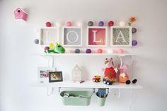 #Estudio #contemporaneo #decoracion via @planreforma #accesorios #niños #lamparas #estanterias #pareddiseñado por Cristina Bosch - Decorador