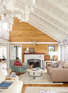 """Lisi Harrison, author, Laguna Beach CA, BHG 5/2015. """"I love wood. It's like each piece tells its own story.  It's so fluid and feels alive.""""  I feel the same. Love wood in natural color so can see the grains."""