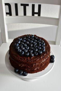 Maailman paras suklaakakku yeT Food N, Food And Drink, Sweet Bakery, Just Eat It, Sweet And Salty, No Bake Desserts, Food Inspiration, Cake Recipes, Cake Decorating