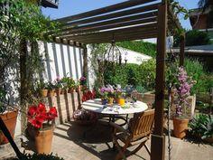 Um jardim pode deixar sua casa mais bonita e trazer harmonia…