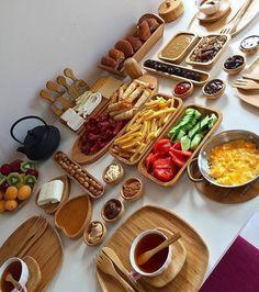 Breakfast Presentation, Food Presentation, Turkish Breakfast, Cooking Recipes, Healthy Recipes, Food Decoration, Food Platters, Iftar, Turkish Recipes