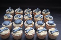 Who said 'Real men dont eat Cupcakes?' The man is question is a Mechanic so his partner thought he would love these…..she was so right!