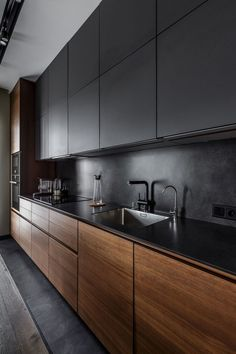 The 39 Best Black Kitchens Kitchen Trends You Need To See House & Living Modern Kitchen Design BLACK house Kitchen Kitchens Living Trends New Kitchen Interior, Kitchen Room Design, Kitchen Cabinet Design, Kitchen Layout, Home Decor Kitchen, Home Kitchens, Black Kitchens, Kitchen Ideas, Kitchen Black