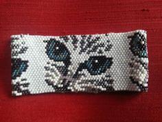 Cat peyote beaded bracelete.