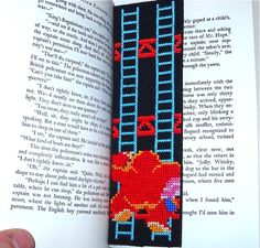 OMG: Free downloadable pattern for a cross-stitch Donkey Kong bookmark
