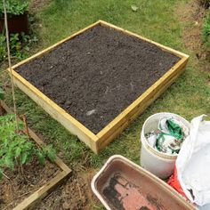 How to Build a Raised Bed Tomato & Vegetable Garden:   Complete Details, Pictures and Video