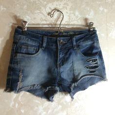Flash Sale! CUTE JEAN SHORTS! Jean shorts. Good condition. 96% cotton 4% spandex. Shorts Jean Shorts