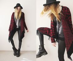 Chicnova Destroyed Sweater, Lima Melão Cardigan, Chicnova Wet Legging, Oasap Hat, Dr. Martens Jadon Boots