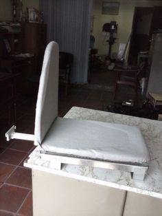 Práctica  mesa de planchar ´para  instalar  en un cajón o  closet  despacho para todo el país  teléfonos : 5454596   - 310 8642675  - 315 3638474 Bogotá  Colombia