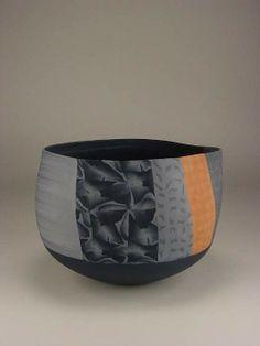 Thomas Hoadley   vessel- medium bowl (839)   Telluride Gallery