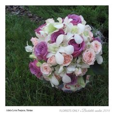 Such a pretty wedding bouquet