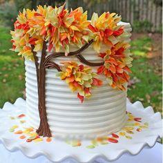 Cake Decorating - Autumn Leaves in Chocolate | Tutorial