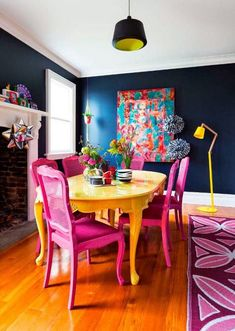 Live Spring in your dining room design, with these glamorous dining room colors. These blue dining room chairs could be replaced by t Dining Room Colors, Dining Room Design, Painted Dinning Room Table, Yellow Dining Room, Design Room, Home Interior, Interior Design, Interior Colors, 1950s Interior