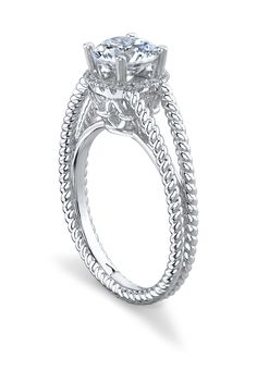 Diamond Engagement Ring by La Reina