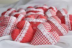 Darčeky pre svadobčanov - červené rôzne s krajkou - 6866766_