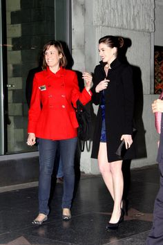 """Anne Hathaway - Anne Hathaway Goes to the Premiere of """"Valentine's Day"""""""
