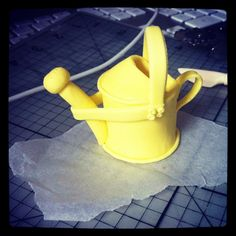 How to make a fondant watering can