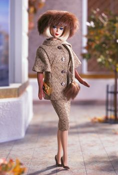 Looking for the Gold 'n Glamour Barbie Doll? Immerse yourself in Barbie history by visiting the official Barbie Signature Gallery today! Play Barbie, Barbie I, Barbie World, Barbie And Ken, Barbie Clothes, Barbie Blog, Poppy Parker, Vintage Barbie Dolls, Little Doll