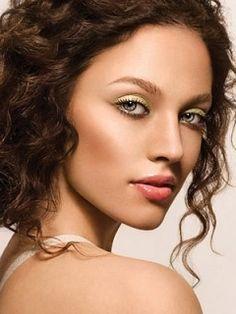 Greek Goddess Bridal Make Up[my bridesmaids make up for sure]
