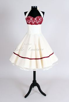 Atelier Belle Couture | 50er Jahre Brautkleid. Bride Dress white with red lace and trim.