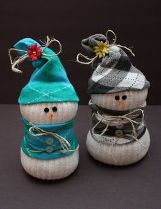 OMG - LOVE!!!!! Socky the Snowman. Cute variations on ones Ive made before. Would be a fun project for the kids too