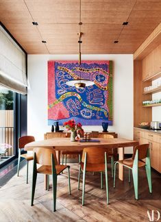 Architectural Digest, November 2018 - Transformed by designer Tony Ingrao, a Greenwich Village townhouse becomes the ideal setting for one family's outstanding collection of contemporary art. Luxury Dining Room, Dining Room Design, Greenwich Village, Interior Design Inspiration, Room Inspiration, Design Ideas, Rooms Ideas, Esstisch Design, Coworking Space