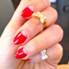 I like the pretty little bow ring