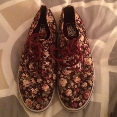 334c7f6bac Floral Print Vans(youth) NWOT youth size 2.5 Floral print Vans Vans Shoes  Sneakers