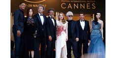 Clap de fin de cette 70ème édition du Festival de Cannes, présidée par Pedro Almodovar, qui a consacré Ruben Ostlund de la Palme d'or pour le film 'The Square', Robin Campillo du Grand Prix du jury pour '120 battements par minute', Diane Kruger du Prix d'interprétation féminine et Joaquin Phoenix du Prix d'interprétation maculine... Retour en images sur cette ultime montée des marches étoilée.