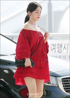 Irene-Redvelvet 180622 Incheon Airport to NewYork Extended Play, Seulgi, South Korean Girls, Korean Girl Groups, Red Velvet Irene, Asia Girl, Korean Beauty, Sweet Girls, Lace Skirt