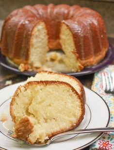 This Old Fashioned Cream Cheese Pound Cake Recipe is going to become a favorite. It is a moist pound cake recipe that is perfect for parties, Christmas, or any gathering. The easy recipe makes a large rich-tasting pound cake for quite a few servings. Pound Cake Recipes, Cheesecake Recipes, Dessert Recipes, Easy Pound Cake, Cheesecake Pound Cake Recipe, Best Pound Cake Recipe Ever, Homemade Pound Cake, Recipes Dinner, Recipe For Jam Cake