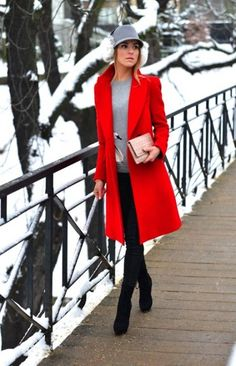 Coat style Super How To Wear Red Tops Leggings 47 Ideas Ice Skating: Practice Clothes Mak Tops For Leggings, Black Leggings, Red Coat Outfit, Coat Dress, Red Winter Coat, Stylish Outfits, Fashion Outfits, Mode Mantel, How To Wear Scarves