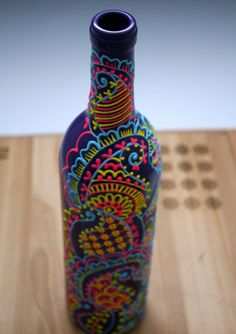 Hand Painted Wine bottle Vase Purple with blue by LucentJane I could totally do this. Wine Bottle Vases, Painted Wine Bottles, Wine Bottle Crafts, Bottles And Jars, Diy Arts And Crafts, Diy Craft Projects, Hand Crafts, Home Goods Decor, Bottle Painting