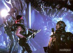 Aliens publicity still of Michael Biehn & Jenette Goldstein