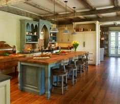 Kitchen Designs. Cool Country Style Kitchen Design with Nice Rustic Wooden Island. Cool Kitchen Layout Designs with Islands