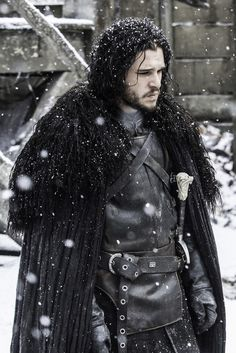 One of the most popular Game of Thrones characters for Halloween & cosplay. We break the character down and piece together the best Jon Snow costume for you Got Jon Snow, John Snow, Jon Snow And Daenerys, Arte Game Of Thrones, Game Of Thrones Fans, Game Of Thrones Characters, Cersei Lannister, Daenerys Targaryen, Kit Harington