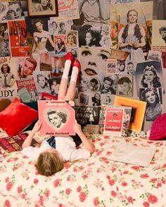 Imagem de vintage, retro, and judy garland Retro Room, Vintage Room, Retro Vintage, Bedroom Vintage, Judy Garland, Teen Girl Bedrooms, Style Retro, My New Room, Dream Bedroom